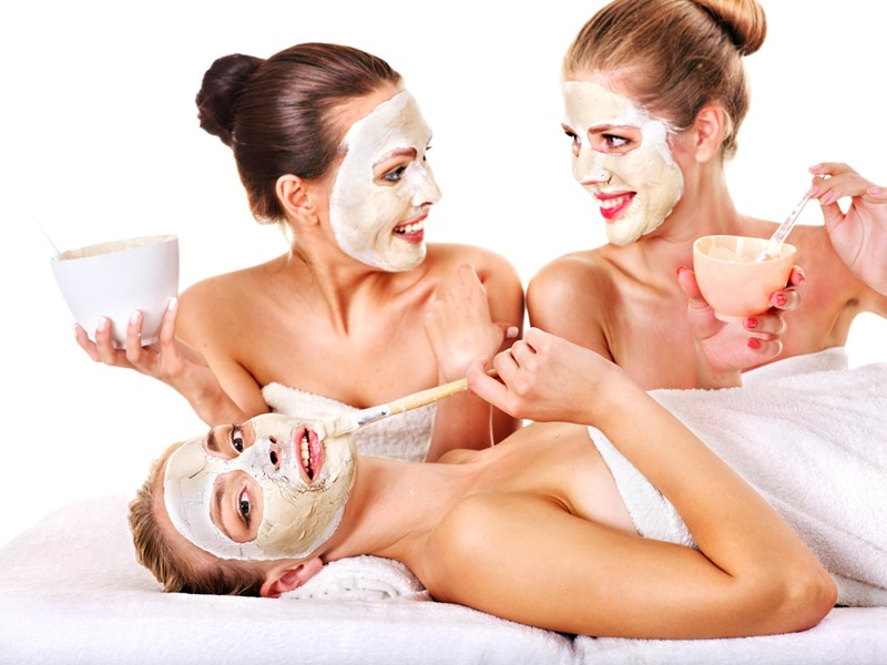 Ladies_at_Spa