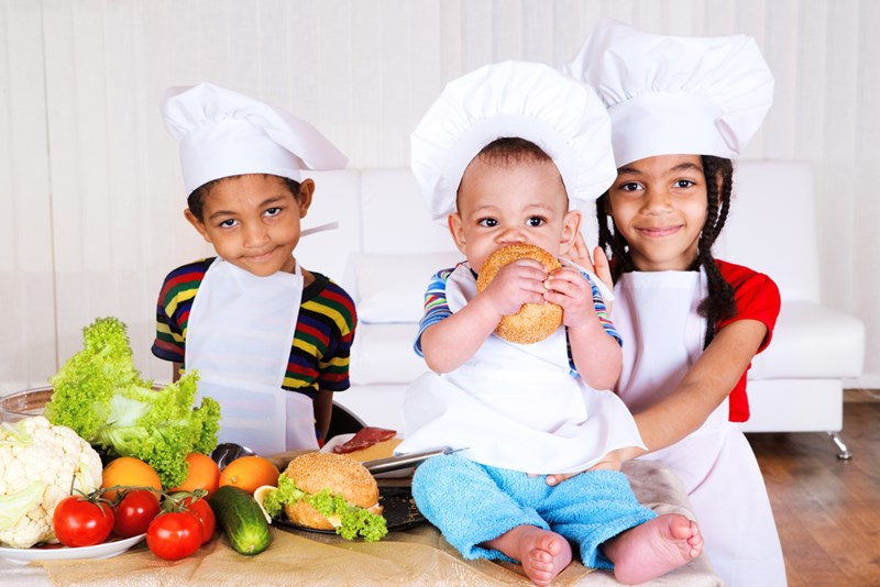 children_in_the_kitchen